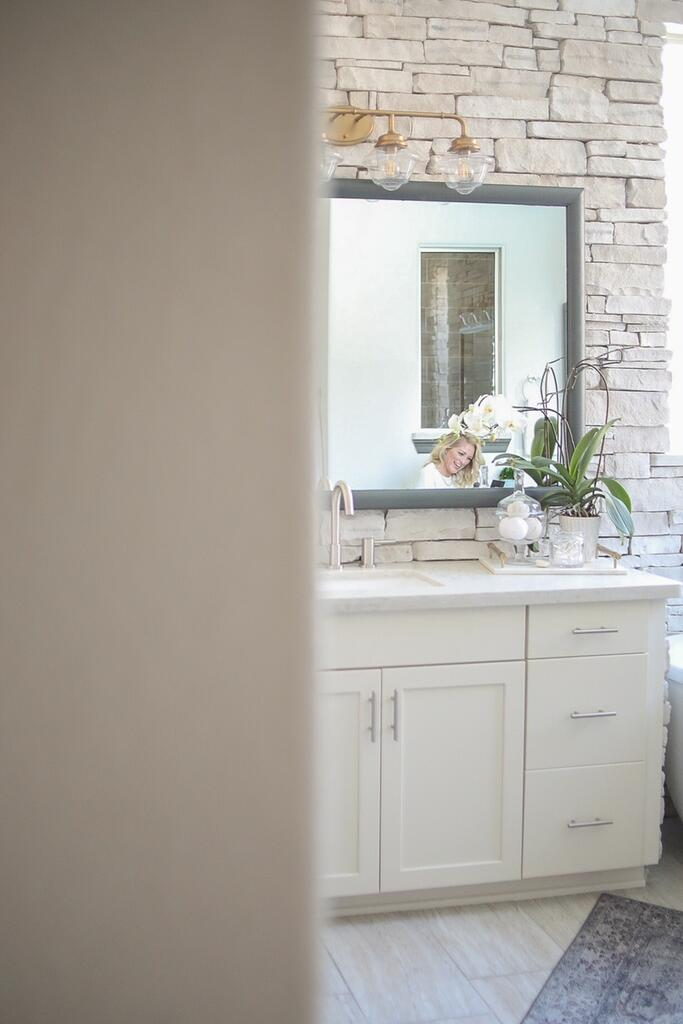 Master Bathroom with Cashmere Stackstone